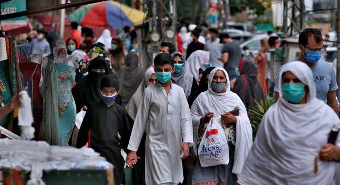 Coronavirus kills 12 Pakistanis, infects 482 in one day