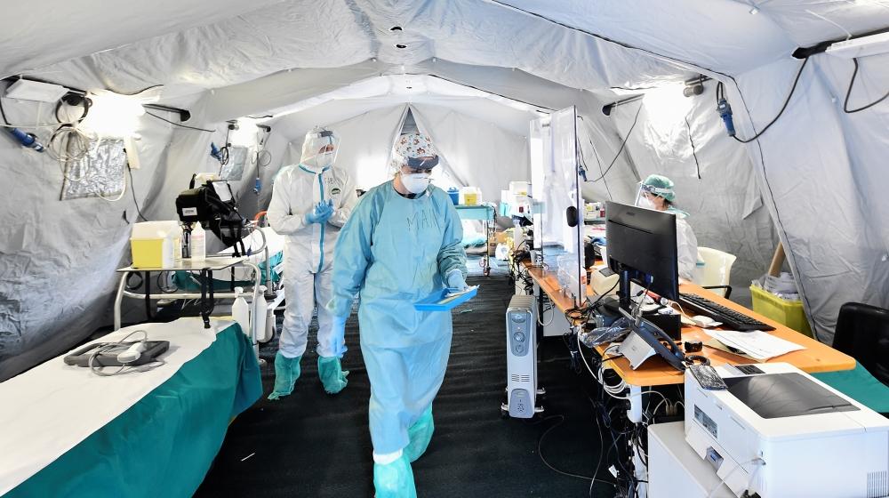 Coronavirus kills 8 Pakistanis, infects 634 in one day