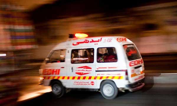 Cracker attack injures four in Karachi