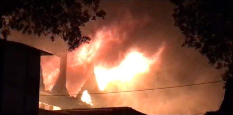Fire breaks out at factory in Karachi