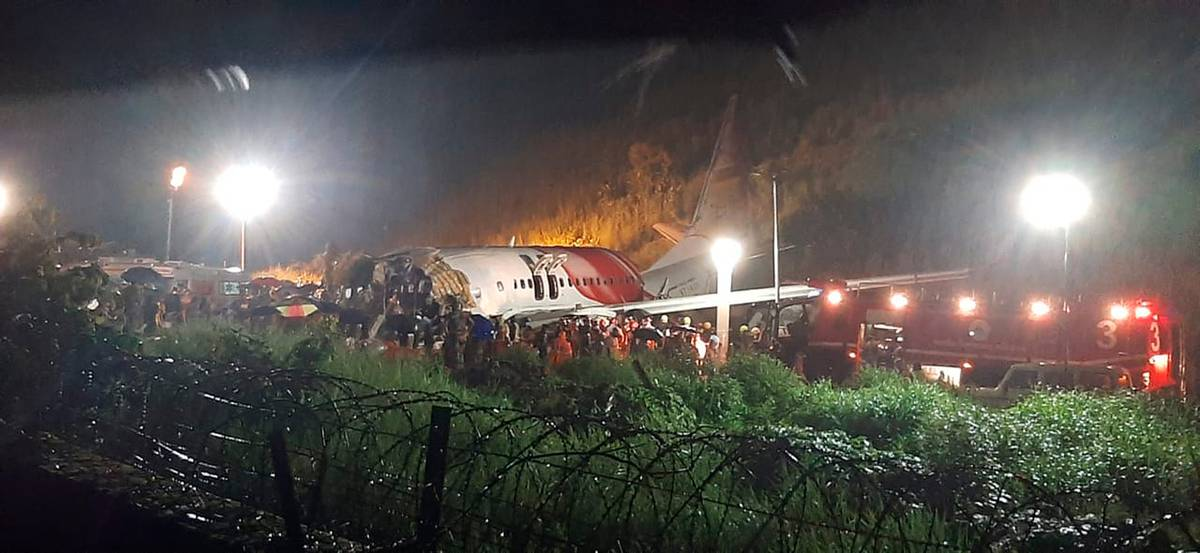 India plane crash: 18 dead and 123 injured after incident in Kerala