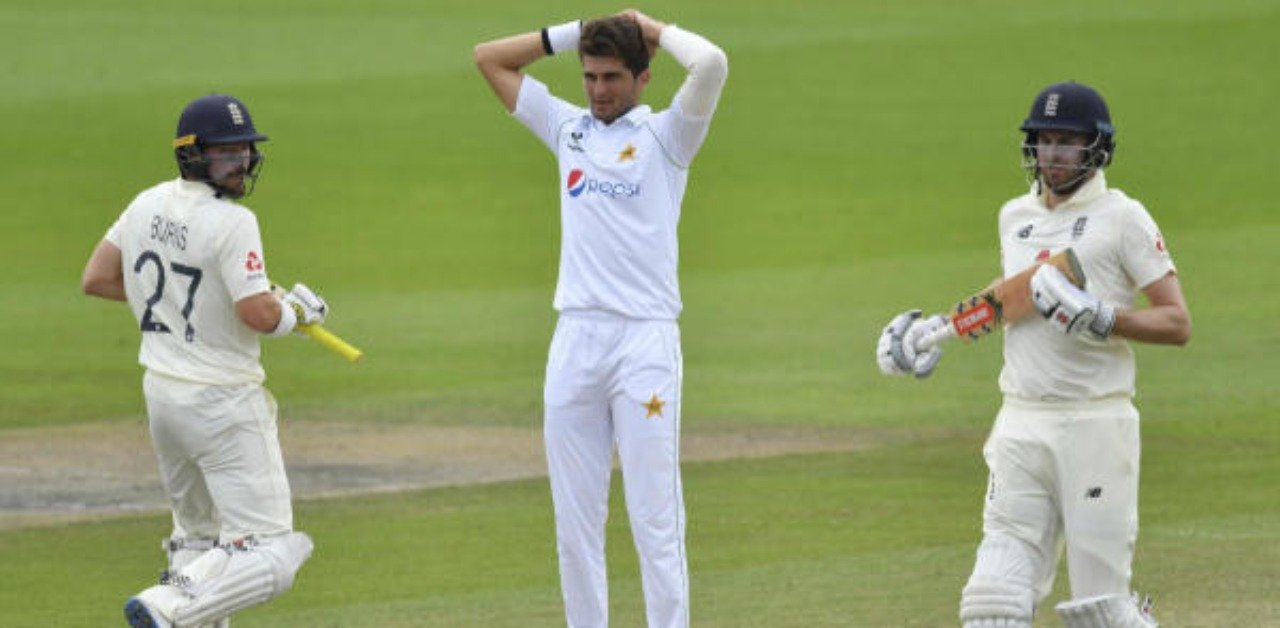 England beat Pakistan by three wickets in 1st test