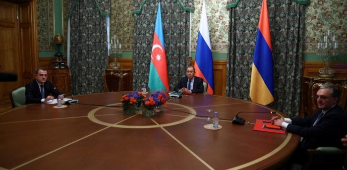 Armenia, Azerbaijan ministers in Moscow for truce talks