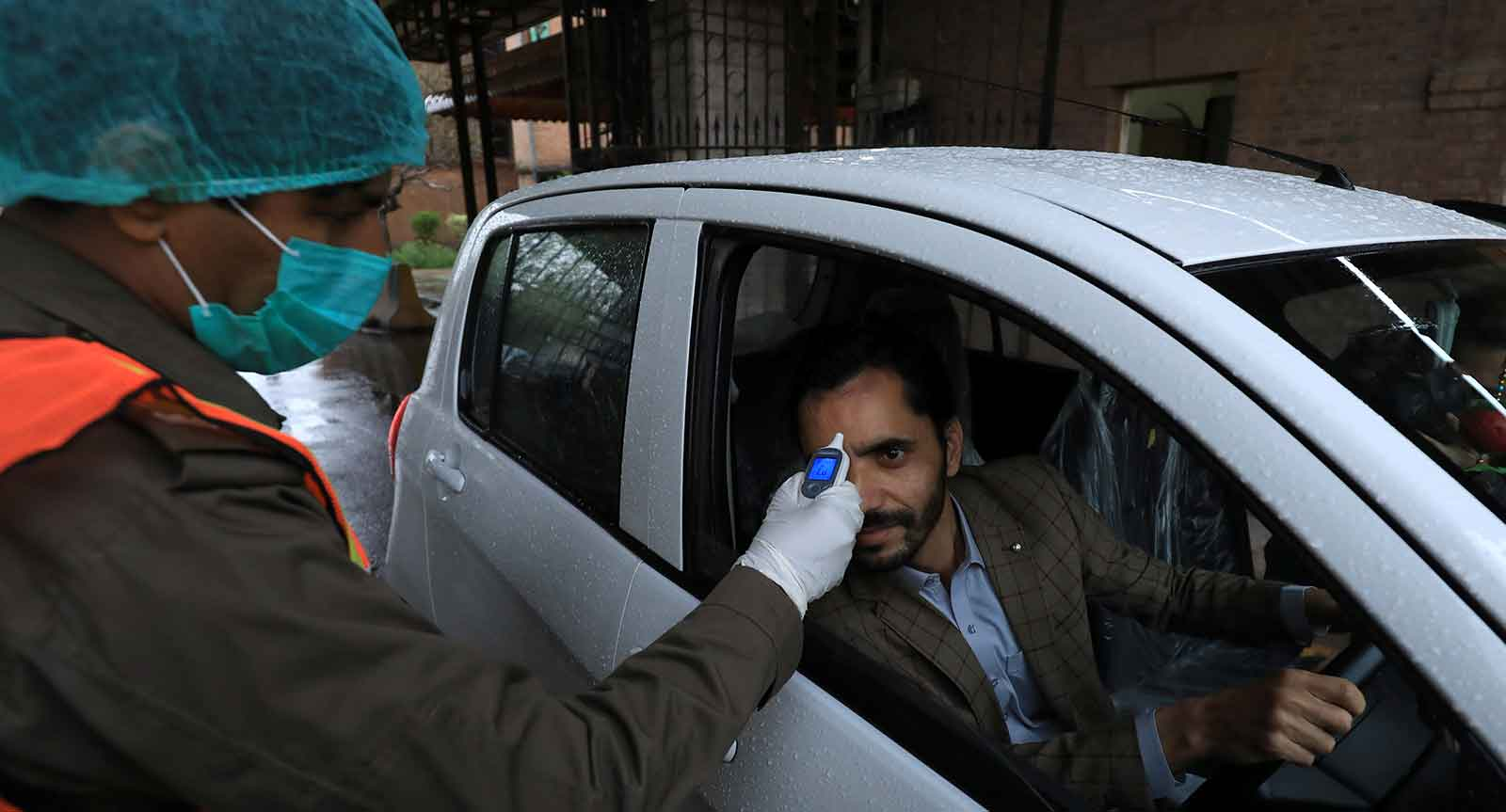 Coronavirus kills 6 Pakistanis, infects 671 in one day