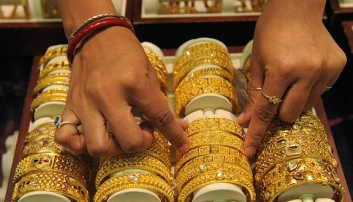 Gold price increases Rs300 to Rs112,850 per tola