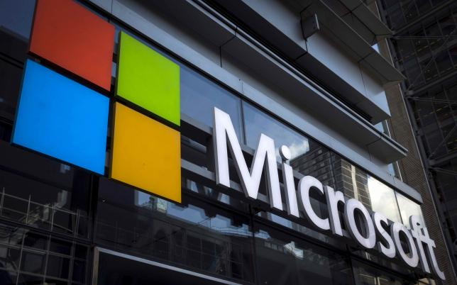Microsoft to sell some products through experience stores