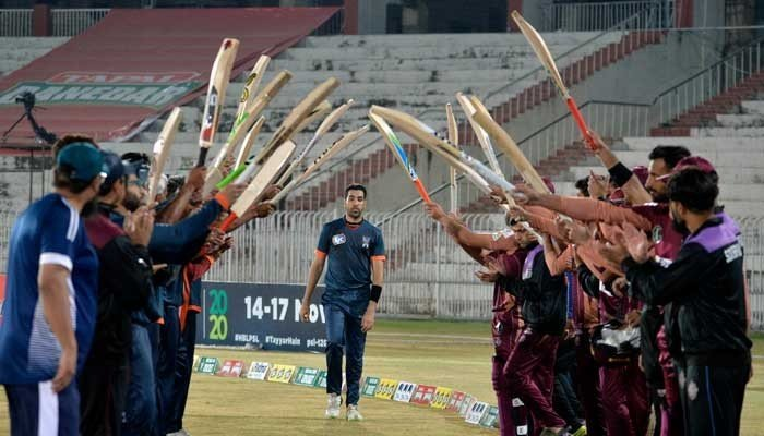 T20 World Cup winner Umar Gul bids farewell to all forms of cricket