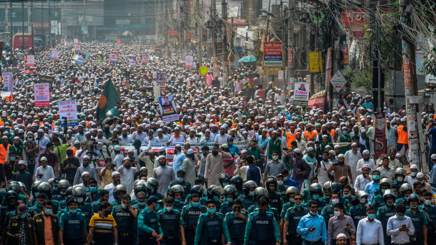 Tens of thousands stage anti-France rally in Bangladesh capital