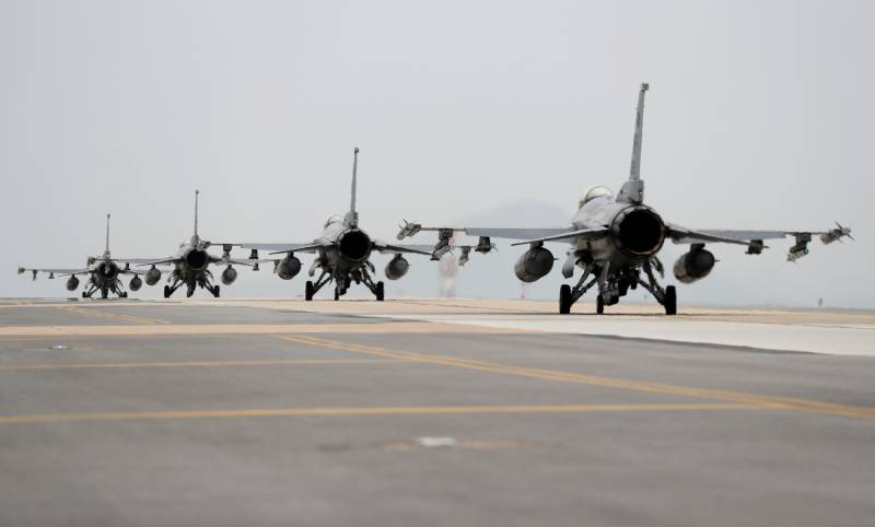 Taiwan grounds all F16 jets after one goes missing