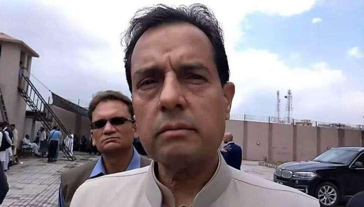 NAB office clash: Local court issues bailable arrest warrant against Captain (r) Safdar