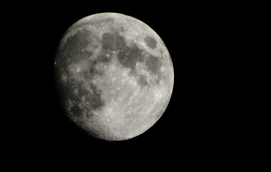 NASA buying Moon dust for $1