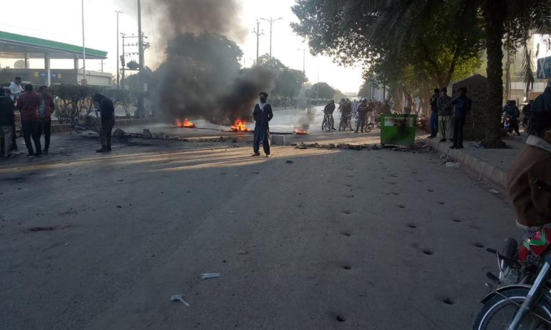 Karachi traffic updates: Protesters block roads across the city