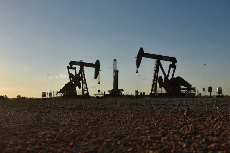 Big U.S. oil drillers have federal permits to mute effect of any Biden ban