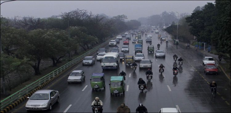 Heavy rain in Lahore inundates low-lying areas