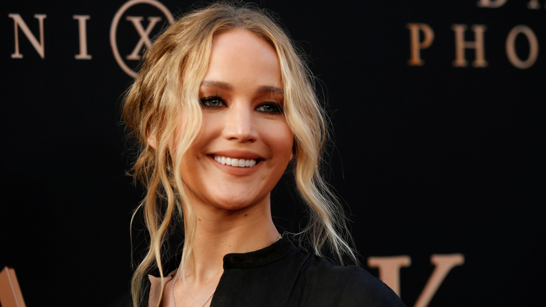 Jennifer Lawrence reported hurt by flying glass on movie set