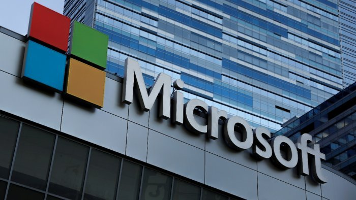 Microsoft offers to step in if rival Google quits Australia
