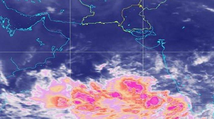 Cyclone batters eastern India, 1.2 million seek shelter