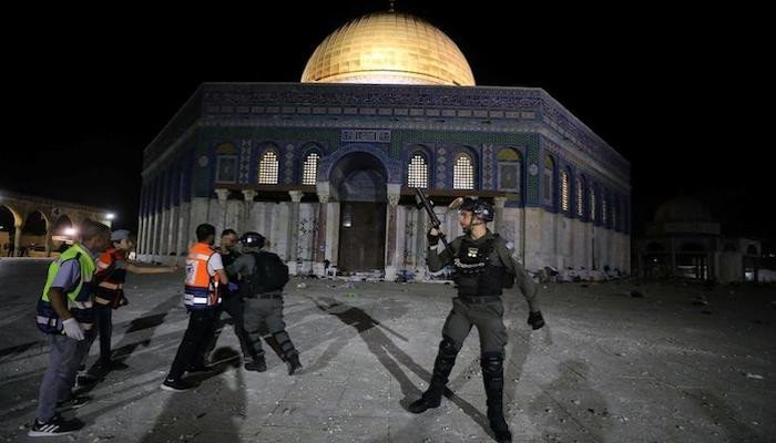 In fresh Al-Aqsa mosque clashes, Israeli police wounds 80 Palestinians