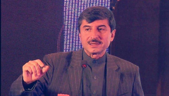 Former Senator Usman Kakar passes away in Karachi