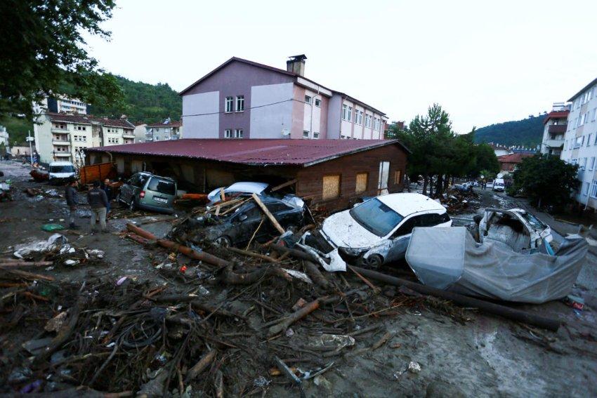 Turkey's flash floods death toll soars to 27