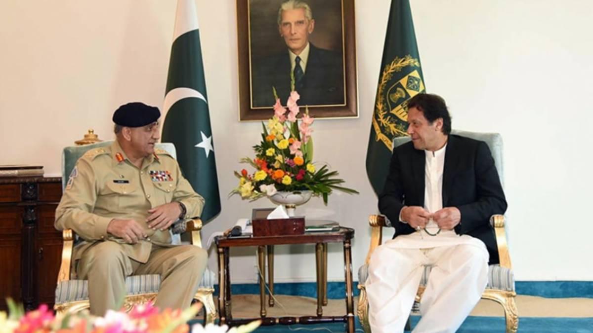 PM Imran, COAS Gen Bajwa visit NCOC